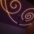 Светящиеся узоры потолке